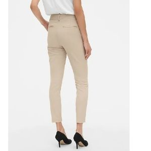 GAP Pants - NWT Skinny Ankle Pants Smoothing Pockets 10 c453